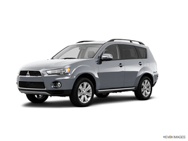 2013 Mitsubishi Outlander SE 2WD in Elgin, Illinois