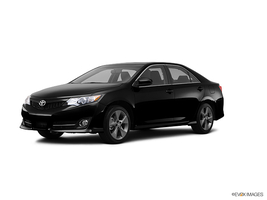 2013 Toyota Camry 4dr Sdn I4 Auto SE Leather Navigation w/Entune Moonroof and Blin in West Springfield, Massachusetts