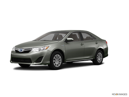 2013 Toyota Camry Hybrid 4dr Sdn XLE in West Springfield, Massachusetts